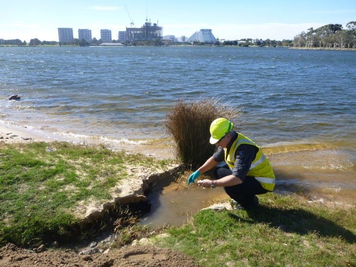 Sampling of discharge into the Swan River
